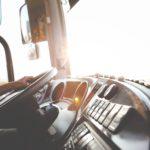 Transport drogowy towarów – jak wybrać przewoźnika