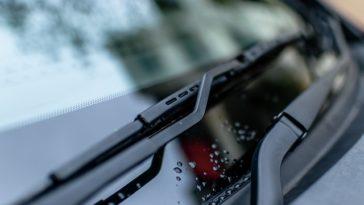 Zwiększ bezpieczeństwo jazdy dzięki wycieraczkom marki Bosch
