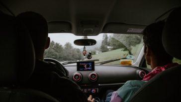 Niewielki element, ogromna zmiana – wycieraczki samochodowe