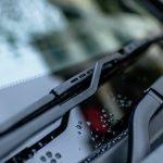 Jak umyć szyby w samochodzie bez smug?